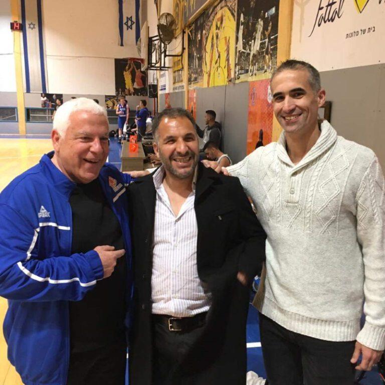 אבישי גורדון מאמן גליל עליון, רון קובי ראש העיר טבריה ופיני גרשון מנהל מקצועי של נבחרת העתודה.