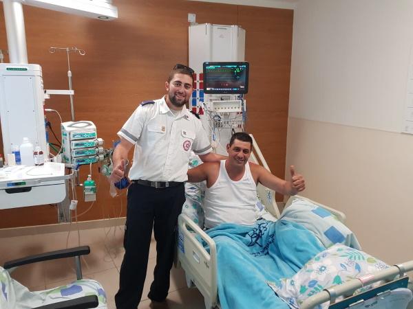 """פאיז סעדה וחובש רפואת חירום במד""""א נועם לוי"""