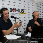 """שידור בכורה של התכנית """"באים בטוב"""" עם שמעון סבג ויוני הללי ברדיו צפון 104.5 עברה בהצלחה. נפגש כל יום רביעי בשמונה בערב. צילום אוקסנה שלומוב"""