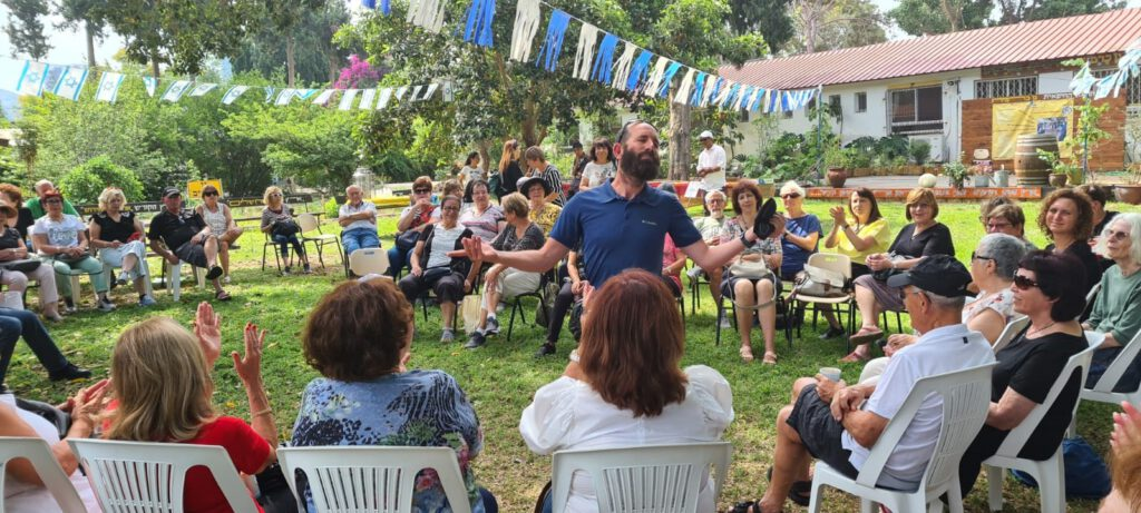 """מאות מתנדבי """"ידיד לחינוך"""" ציינו סיכום שנת פעילות בחווה החיפאית גן כרמית"""