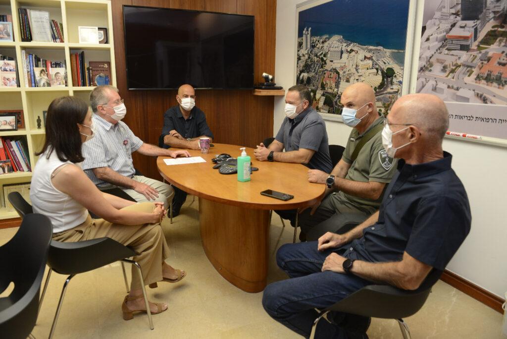 """מפכ""""ל משטרת ישראל, רנ""""צ קובי שבתאי הגיע לסיור עבודה בקריה הרפואית רמב""""ם"""