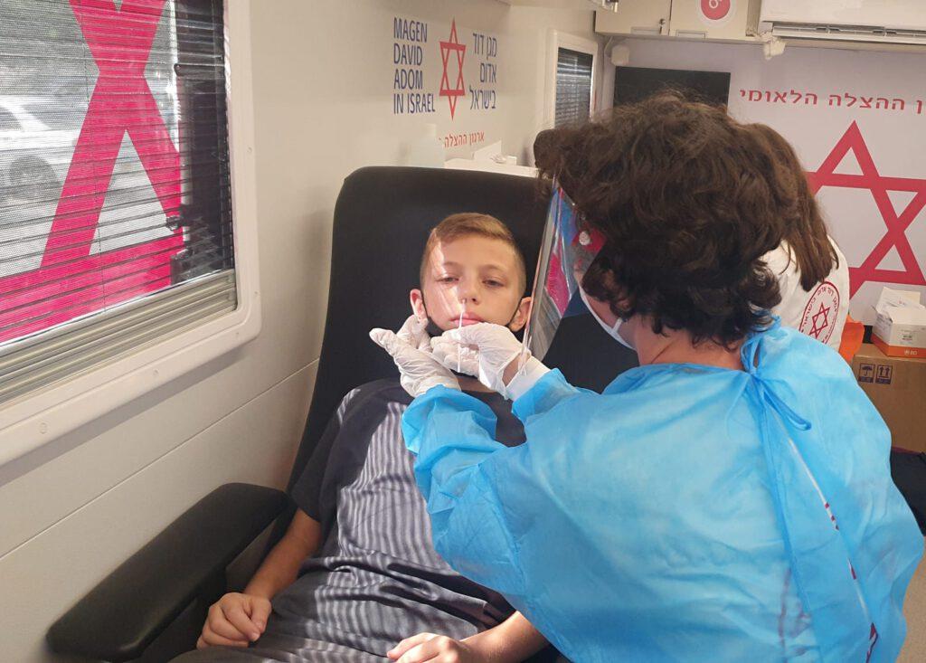 מגן דוד אדום יפעיל את מערך החיסונים והבדיקות המהירות ברחבי הארץ