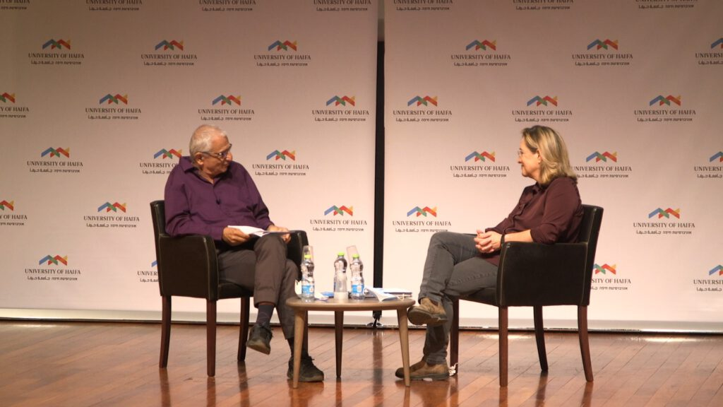 """אילנה דיין באירוע הפתיחה של הסדרה, """"שני עיתונאים, שיחה אחת"""" באוניברסיטת חיפה"""
